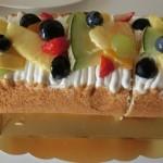 バースデーケーキはロールケーキ
